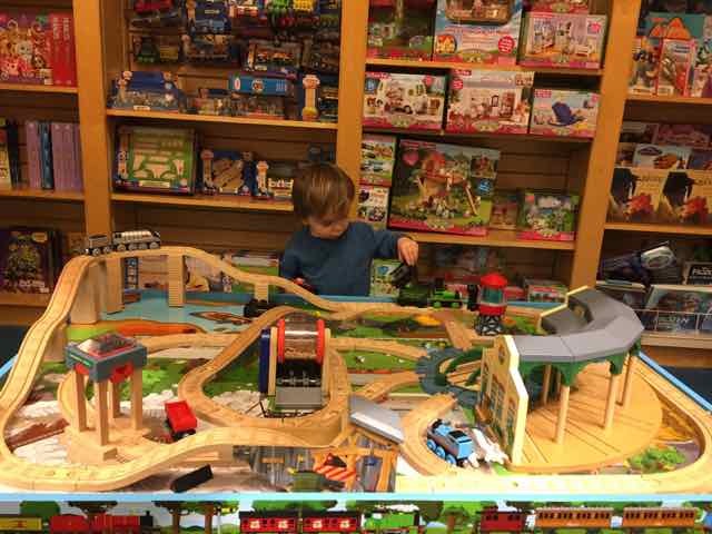free indoor play area at Barnes and Noble