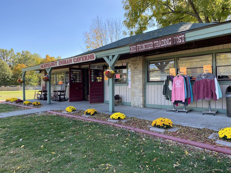 outside view of the gift shop at Olentangy Indian Caverns