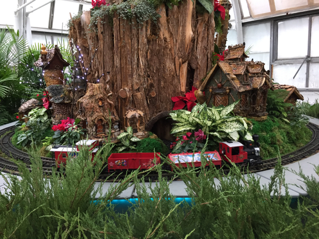 Paul Busse Holiday railroad at Franklin Park Conservatory