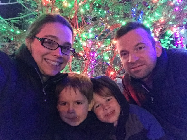 family at Wildlights at Columbus Zoo and Aquarium