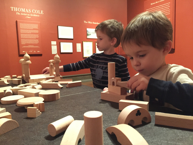 kids building with blocks at Columbus Museum of Art