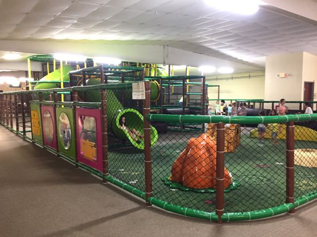 things to do with toddlers, play area at fun in the jungle
