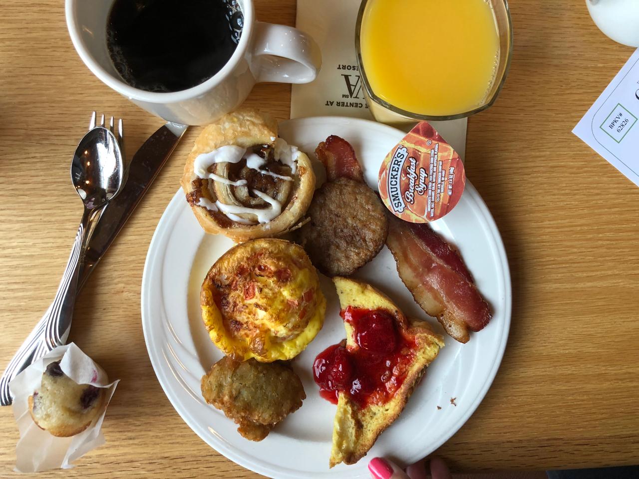 breakfast food at Horizons Restaurant