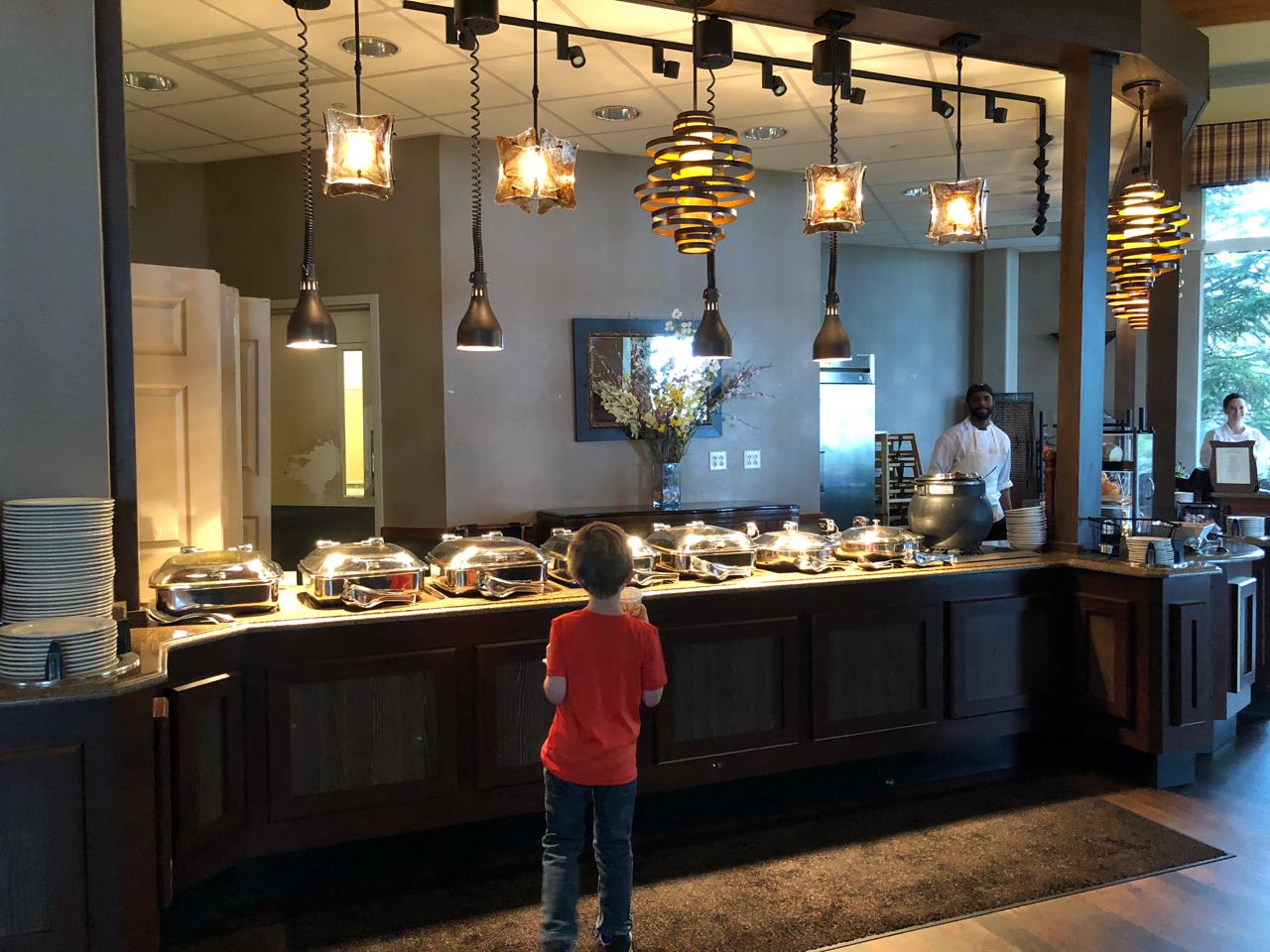 breakfast buffet at Horizons Restaurant