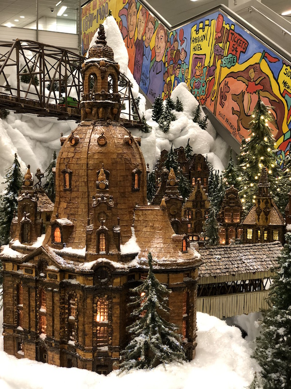 Holiday Train at Columbus Metropolitan Library